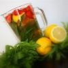 Лимонад с мятой, клубникой и тархуном
