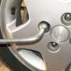 Как открутить болты на колесе